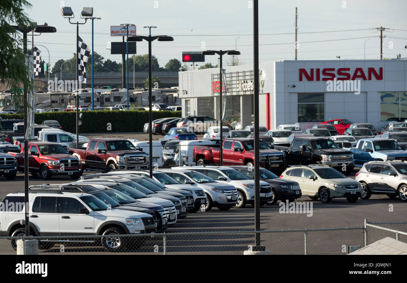 Used Cars Tri Cities >> New And Used Cars For Sale In Pasco Autopark Tri Cities Stock Photo