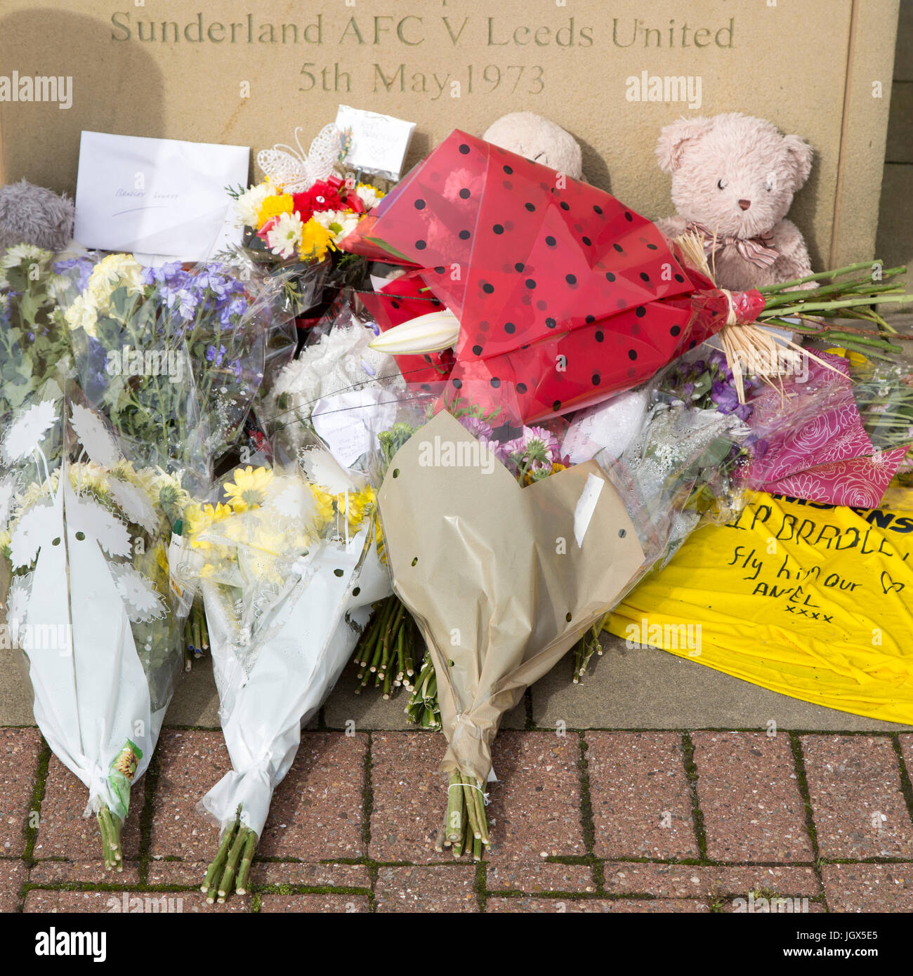 Sunderland, UK. 11th July, 2017. Tributes to Bradley Lowery by the Bob Stokoe statue outside of the Stadium of Light - Stock Image