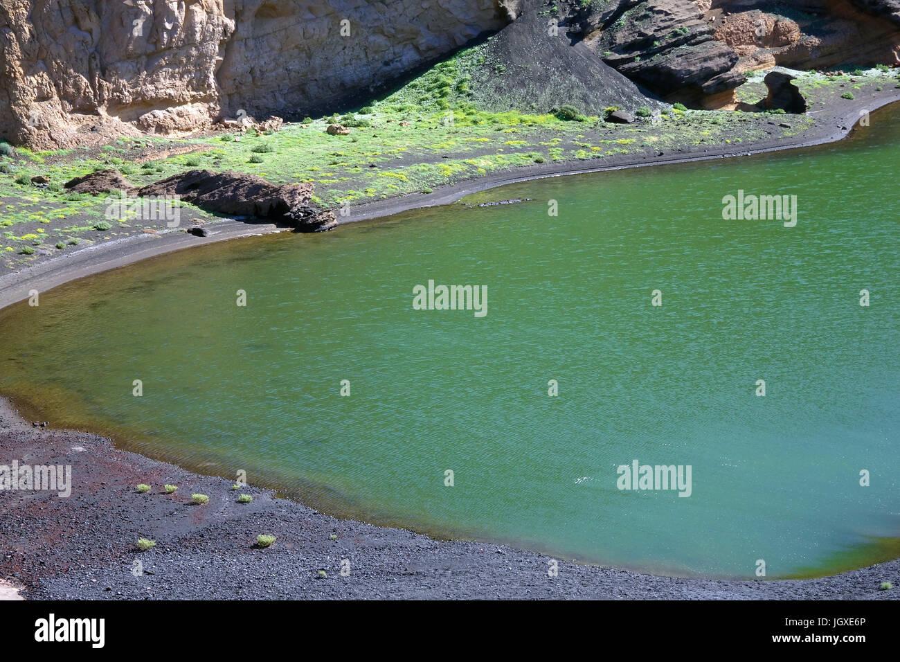 Teilansicht von Charco de los Clicos, gruener Lagunensee bei El Golfo, Lanzarote, Kanarische Inseln, Europa | Charco - Stock Image