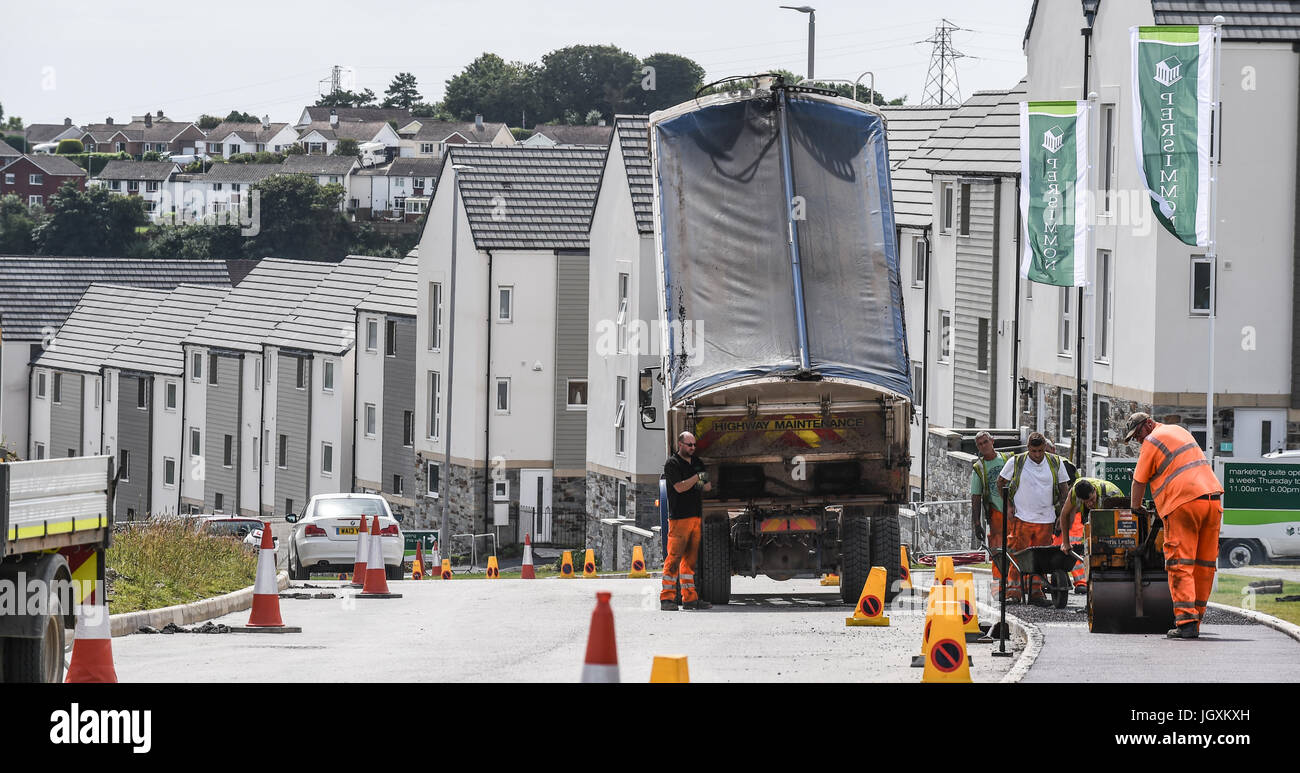 Picture by Paul Slater/PSI - Copyrighted Image - New housing estate being built, Derriford, Plymouth - Palmerston - Stock Image