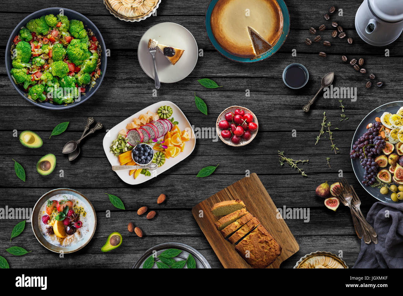 Superbe Mediterranean Food Table. Healthy Meal Concept