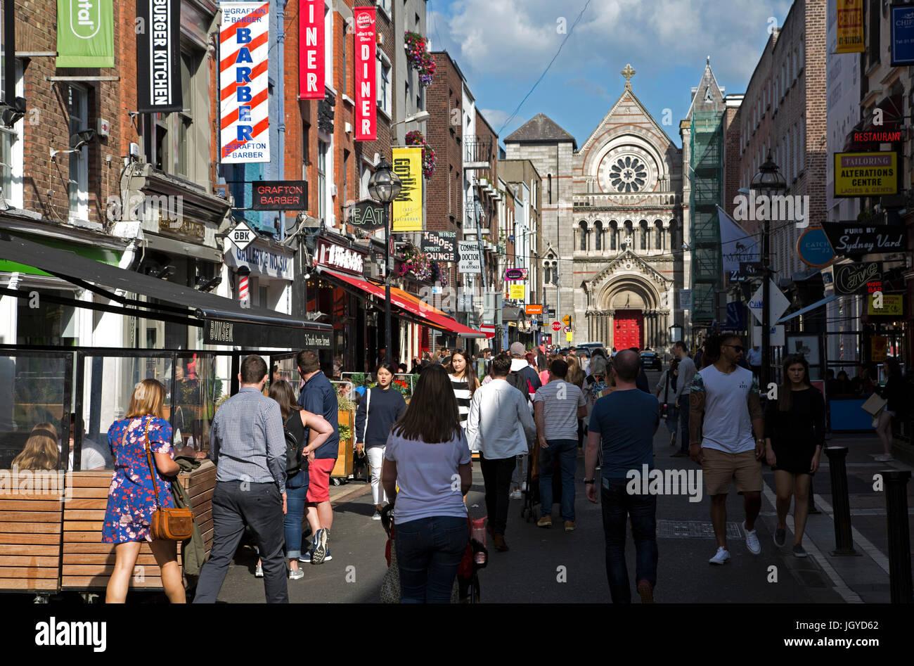 c90dc2f03de71 Dublin City Centre Lifestyle Stock Photos & Dublin City Centre ...