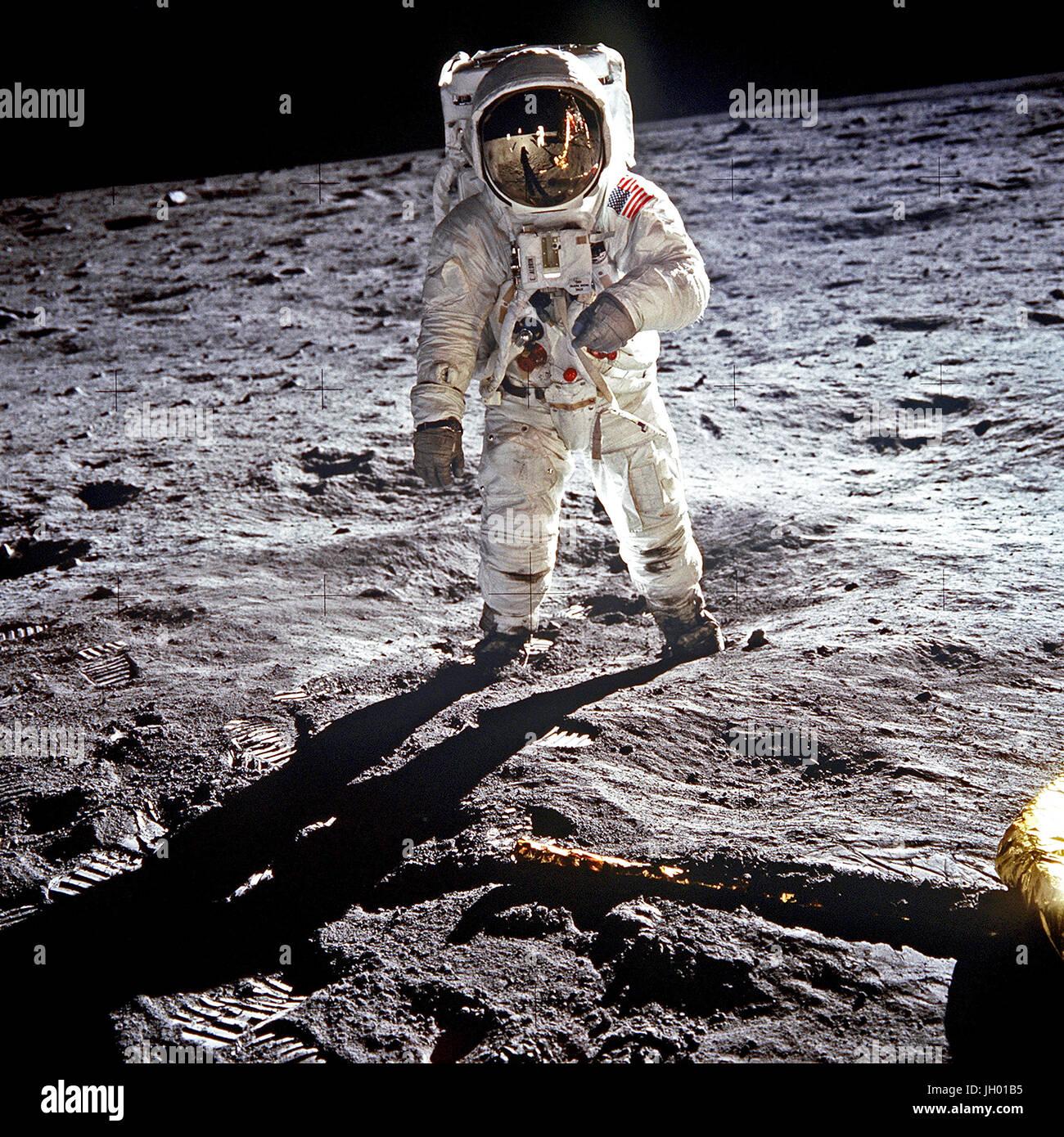 NASA Apollo 11 Astronaut Buzz Aldrin inside the Lunar Module New 8x10 Photo