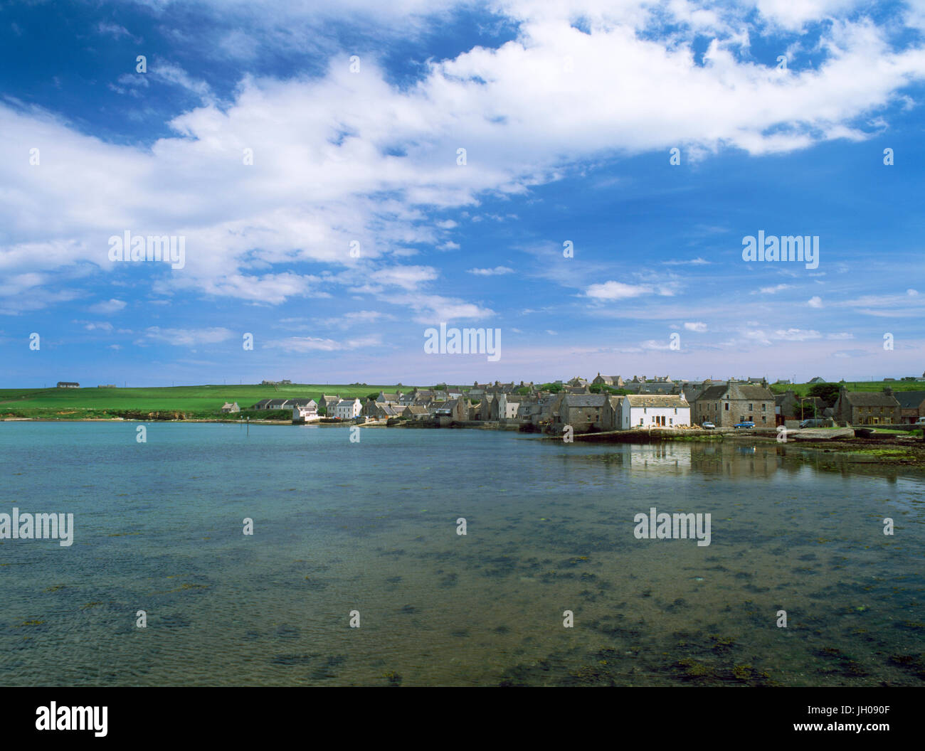 St Margaret's Hope, Ronaldsvoe, South Ronaldsay, Orkney Isles, Scotland, UK, General view of  town and harbour from - Stock Image