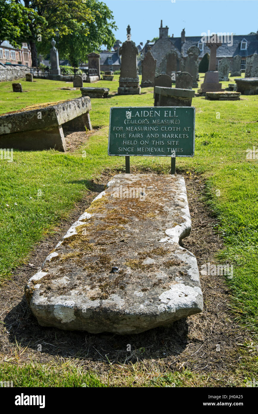 Plaiden Ell / Tailor's measure of length used for measuring cloth at the Dornoch Cathedral churchyard, Sutherland, - Stock Image