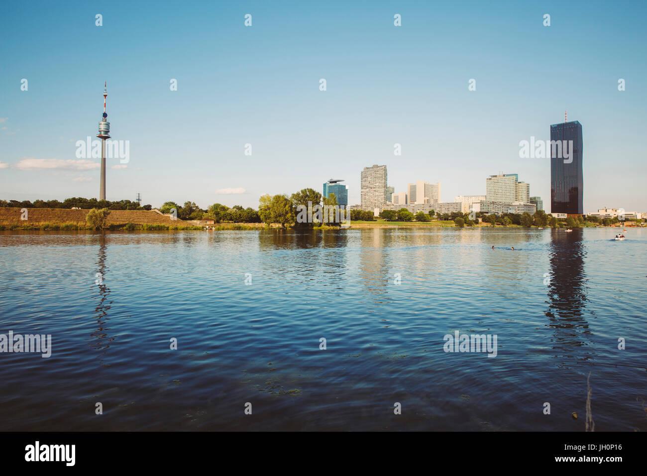 Donau City Wien , Blick von der Donauinsel, Österreich - Stock Image