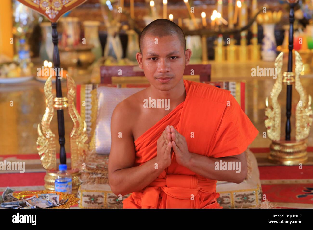 Buddhist monk. Vat Ong Teu. Wat Ong Teu Mahawihan. Vientiane. Laos. - Stock Image
