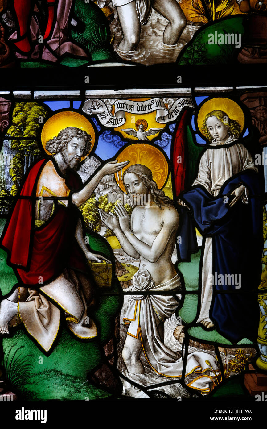 The Victoria and Albert Museum. Stained glass from Mariawald. About 1520-30. Lower Rhine (Germany). United kingdom. - Stock Image