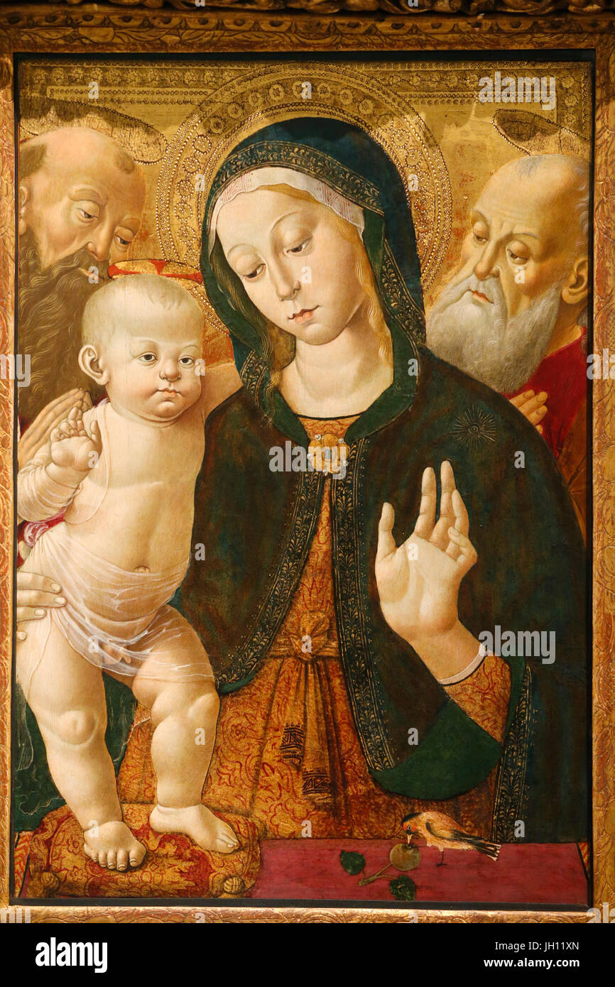 The Victoria and Albert Museum. The Virgin and child with two saints. About 1500. Bernardino Fungai. Italy, Siena. - Stock Image
