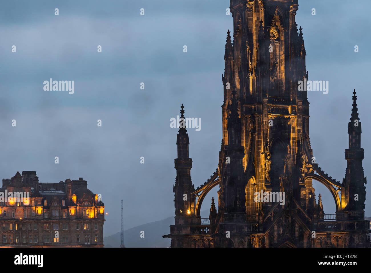 Edinburgh Scott Monument shooted by night - Stock Image