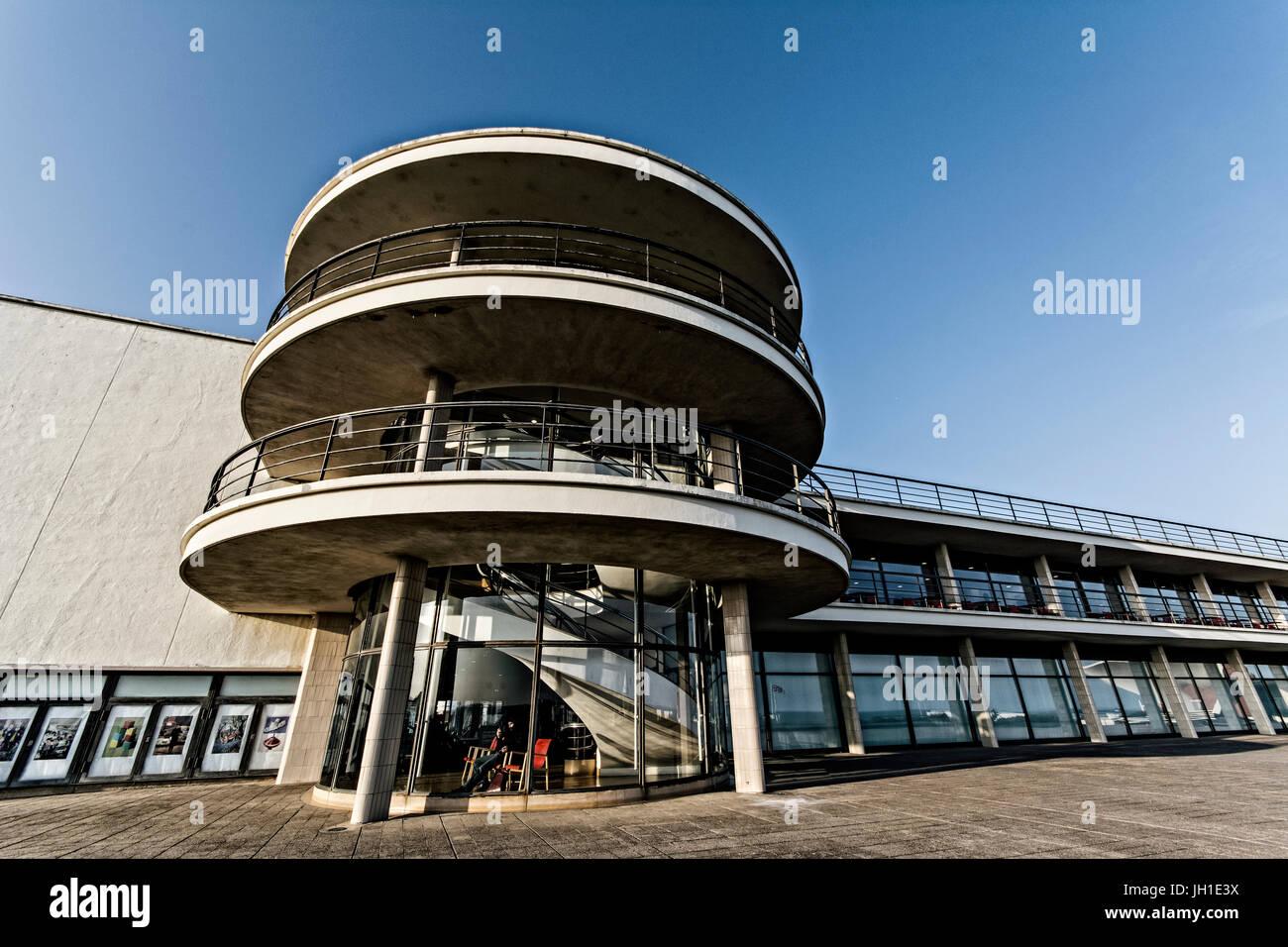 De La Warr Pavilion south Elevation, Bexhill On Sea, East Sussex - iconic modernist building.   Architects Erich - Stock Image