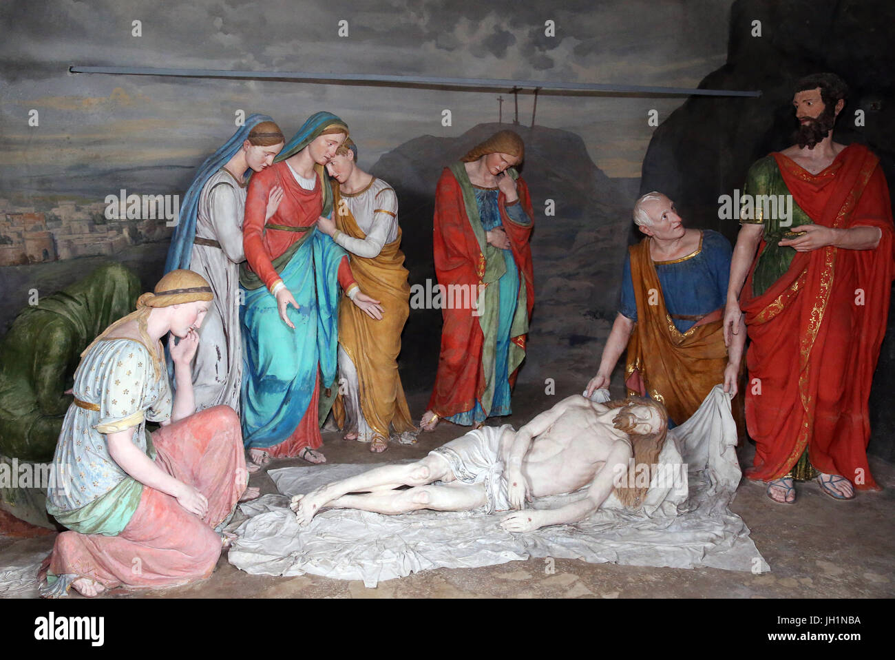 Sacred Mountain of Varallo. Chapel 41, the deposition of Christ in the shroud.  Italy. - Stock Image
