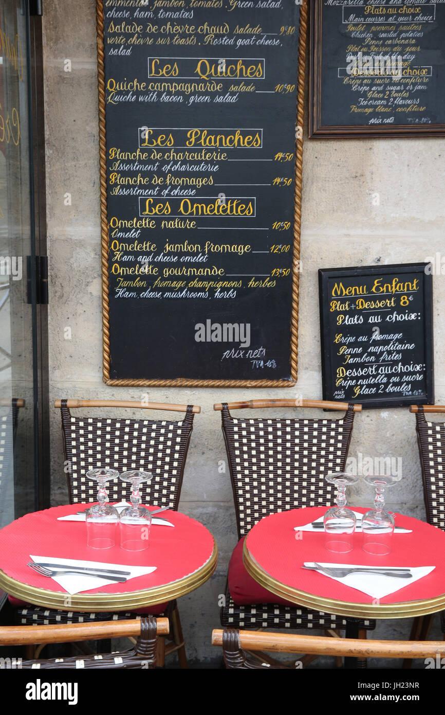Brasserie in Paris. France. - Stock Image