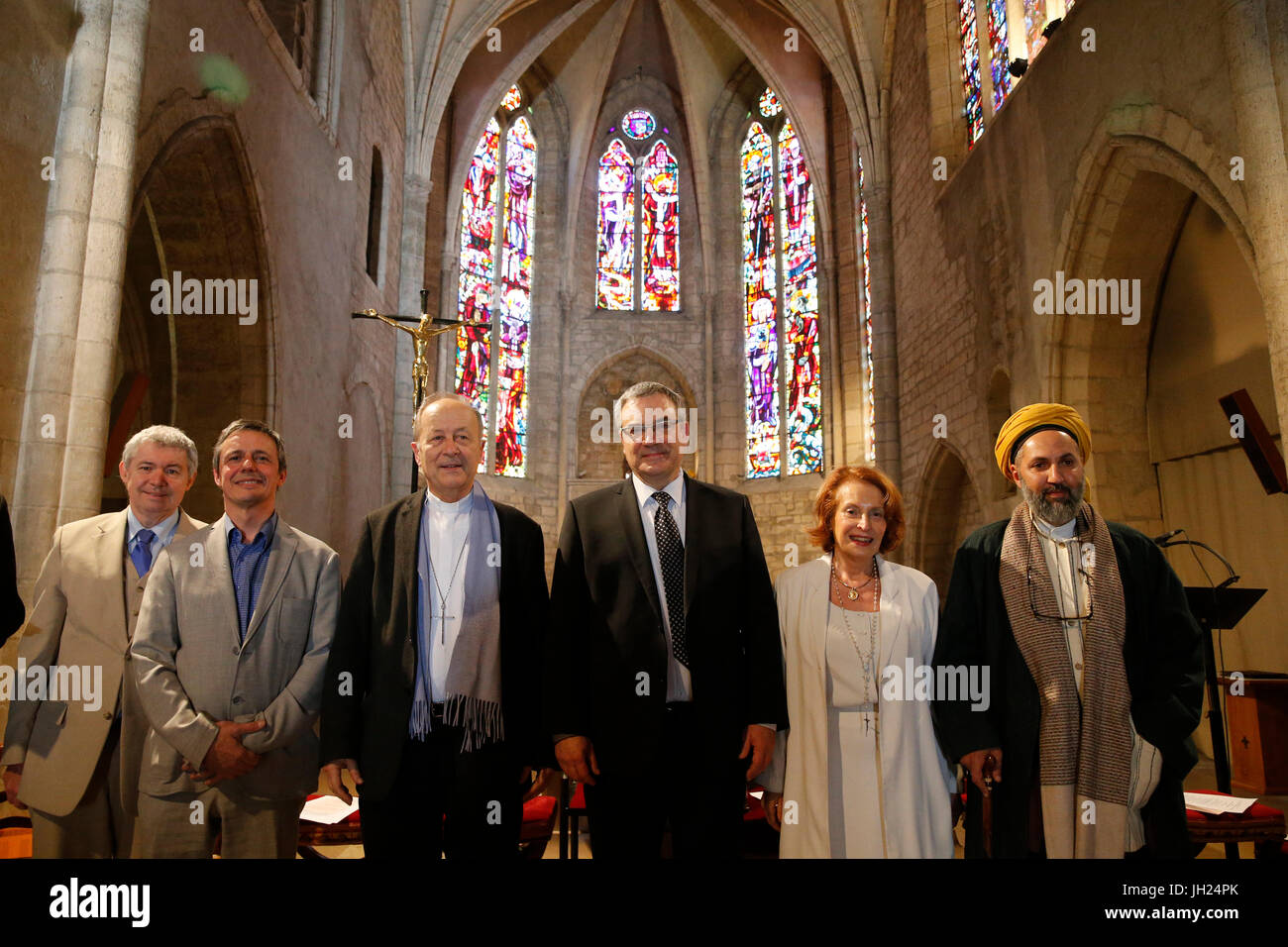 CathŽdrale Saint-Spire, Corbeille-Essonnes. RŽunion interreligieuse organisŽe par l'association Artisans de Paix. Stock Photo