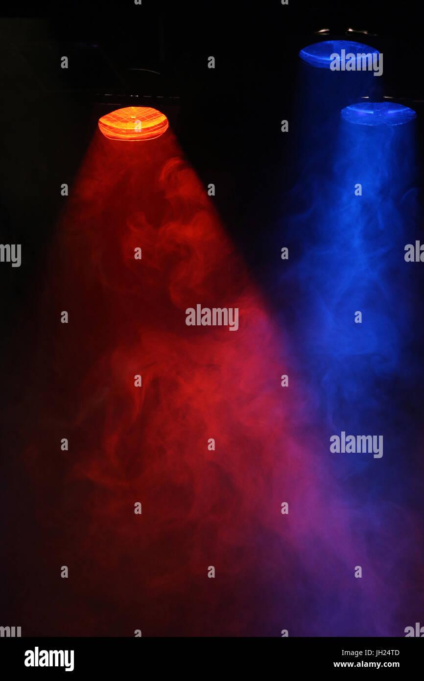 Spots de couleurs dans une salle de spectacle. France. - Stock Image