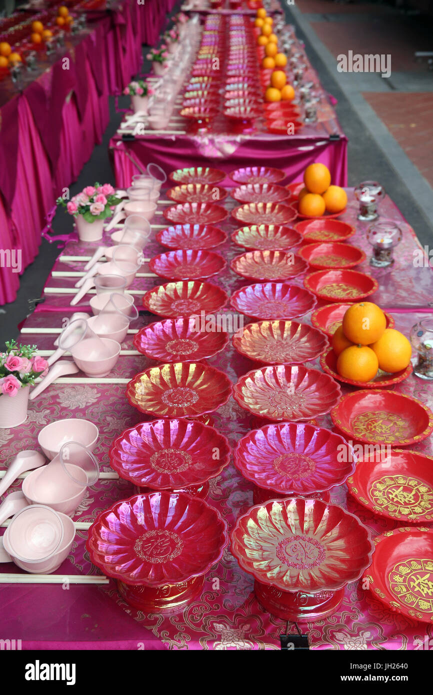 Buddha Tooth Relic Temple in Chinatown. Ullambana ceremony. Food is offered to the ancestors during the annual Ghost Stock Photo
