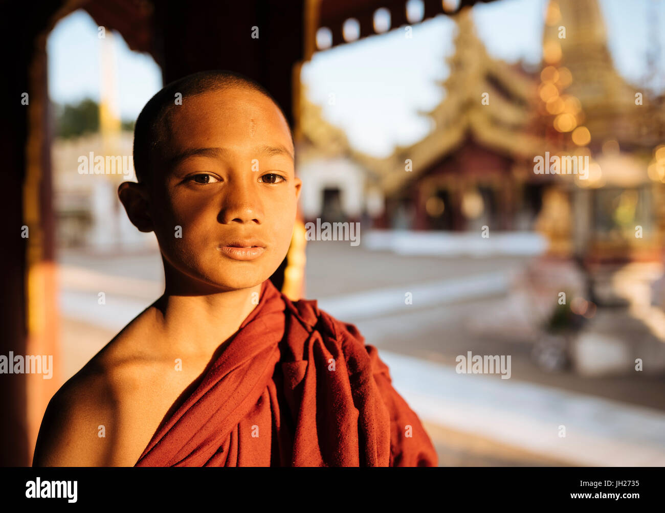 Young Buddhist monk, Bagan (Pagan), Mandalay Region, Myanmar (Burma), Asia - Stock Image