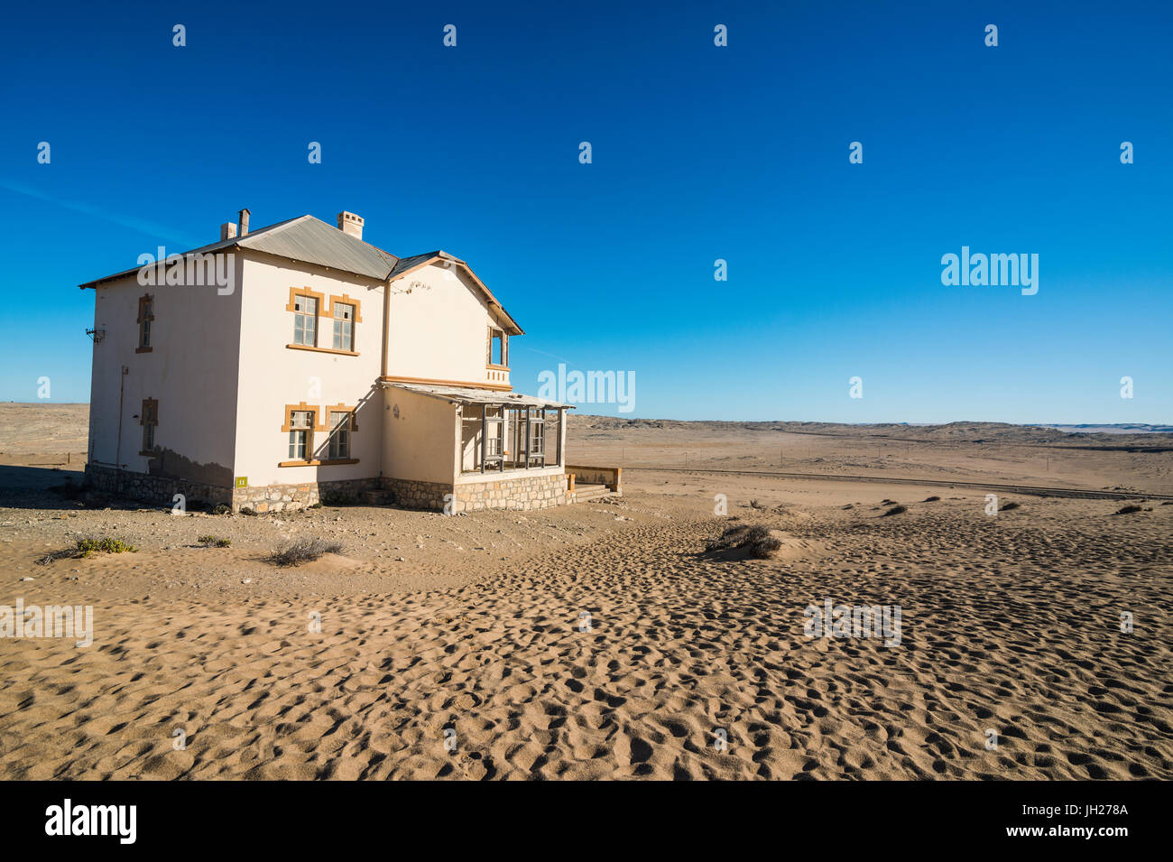 Colonial house, old diamond ghost town, Kolmanskop (Coleman's Hill), near Luderitz, Namibia, Africa - Stock Image