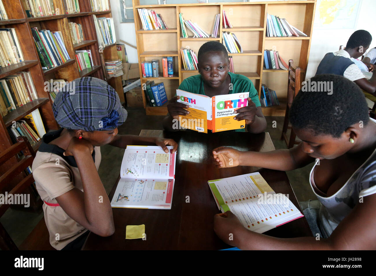 African  school. Children sponsored by french NGO : la Chaine de l'Espoir. The library.  Lome. Togo. Stock Photo