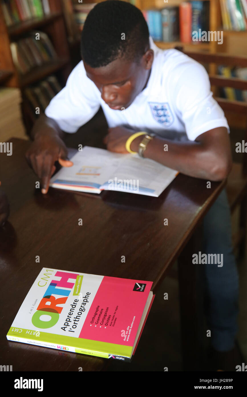 African  school sponsored by french NGO : la Chaine de l'Espoir. The library. Lome. Togo. Stock Photo