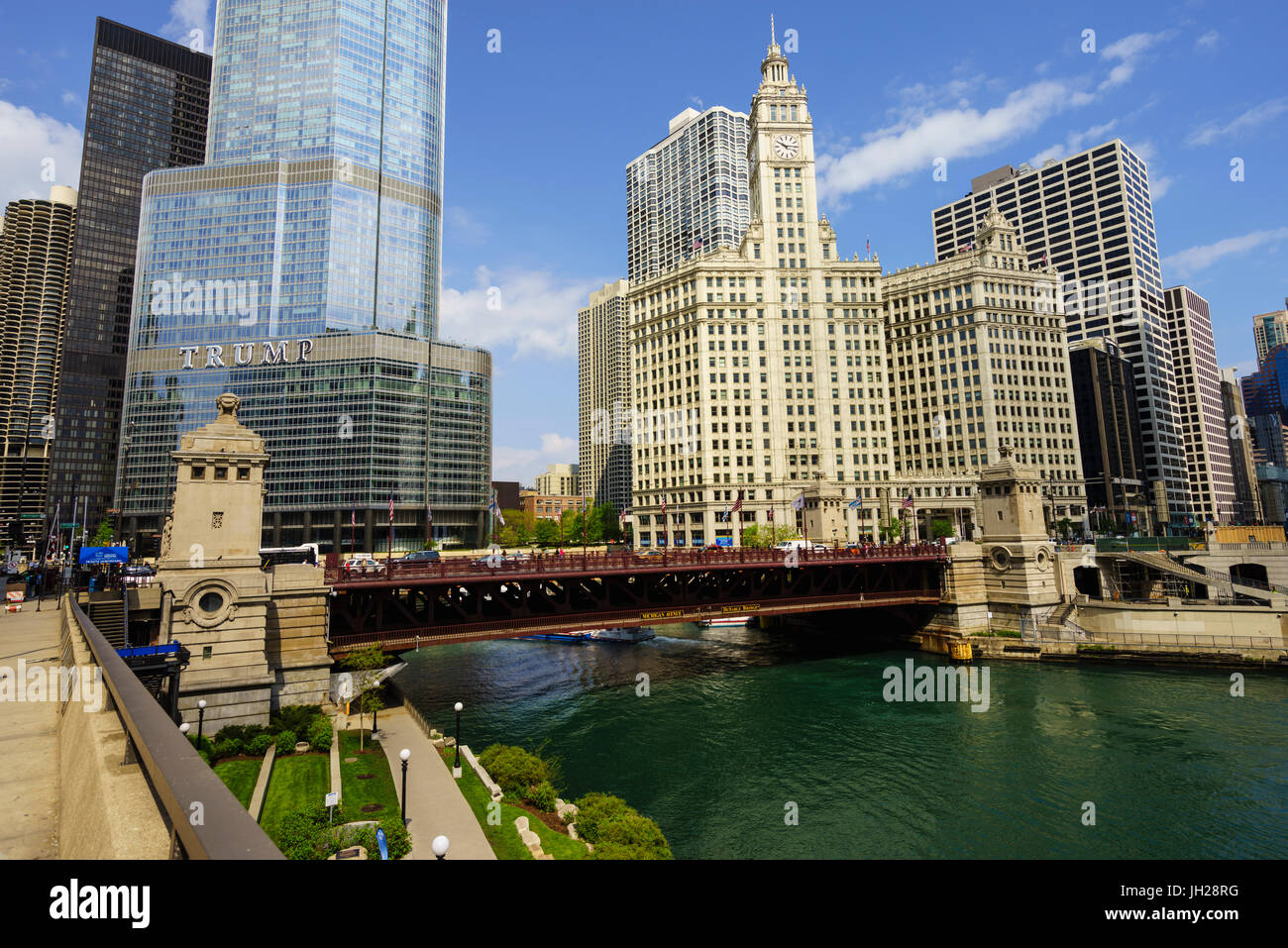 Trump Tower and Wrigley Building on the Chicago River, Chicago, Illinois, United States of America, North America - Stock Image