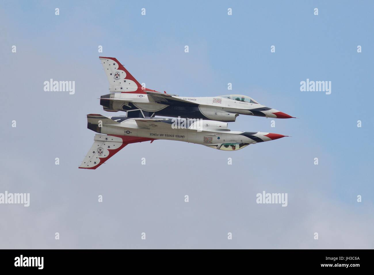 United States Air Force Thunderbirds performing at the Royal International Air Tattoo - Stock Image