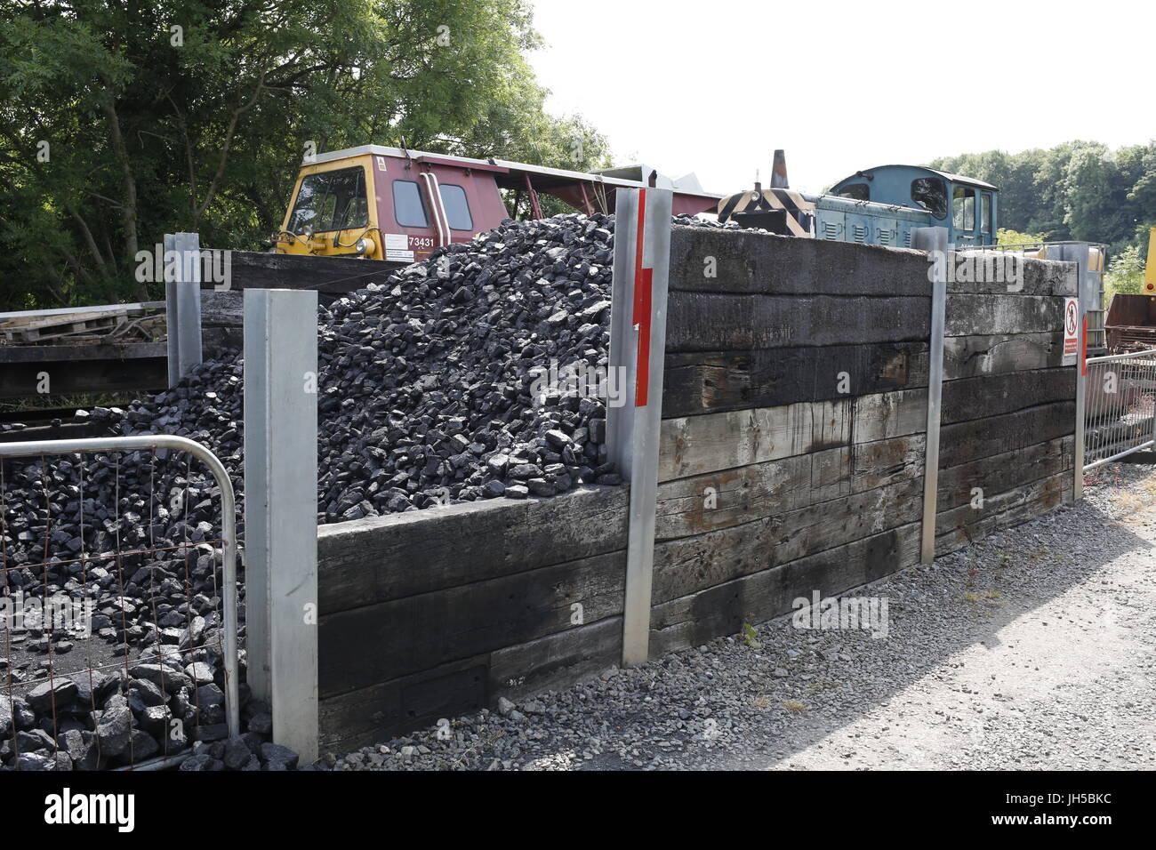 Coal store on railway - Stock Image