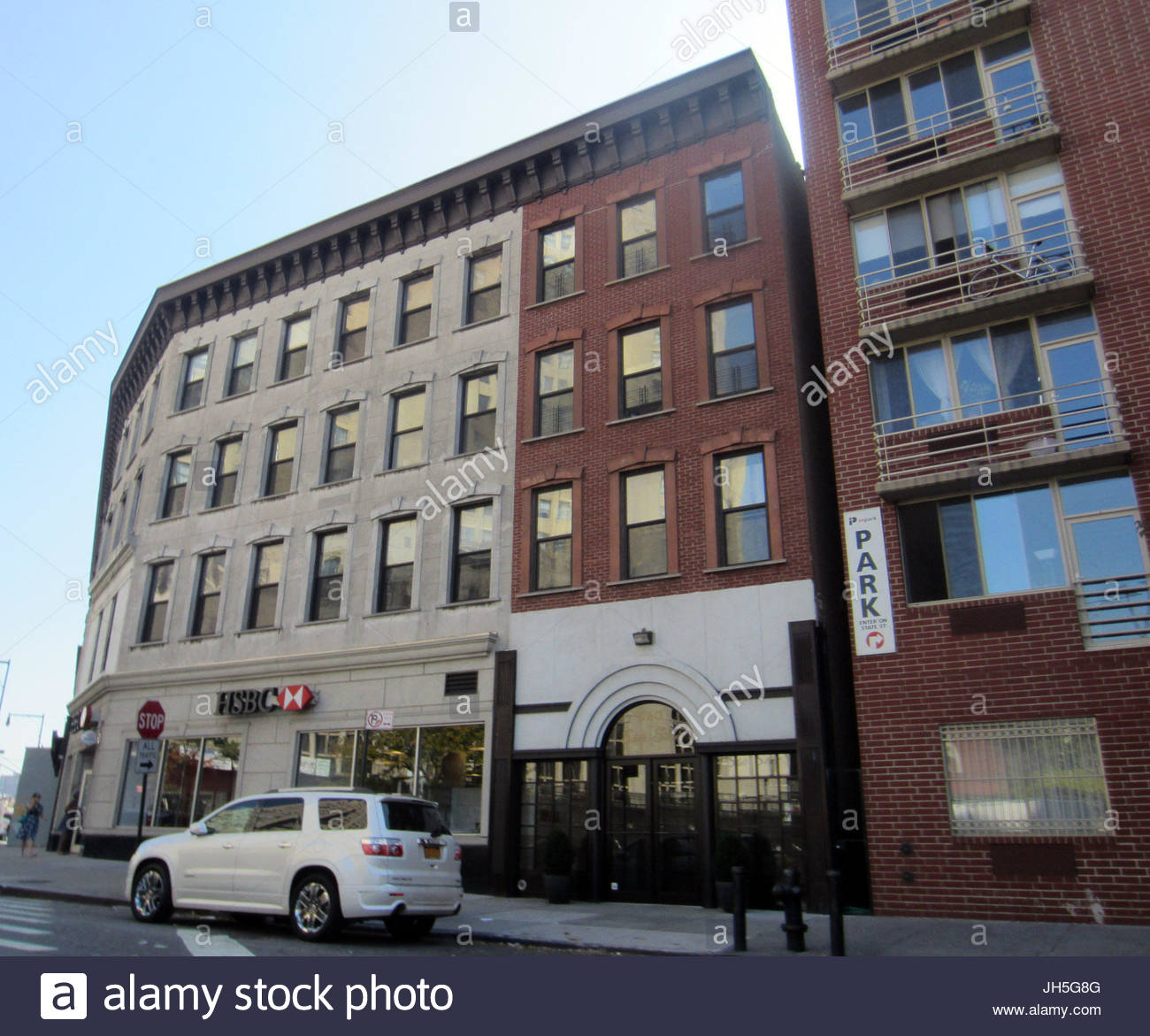 Jay zs old home the brooklyn address that jay z names as his the brooklyn address that jay z names as his stash spot in the blueprint 3 track empire state of mind he raps i used to cop in harlem malvernweather Choice Image