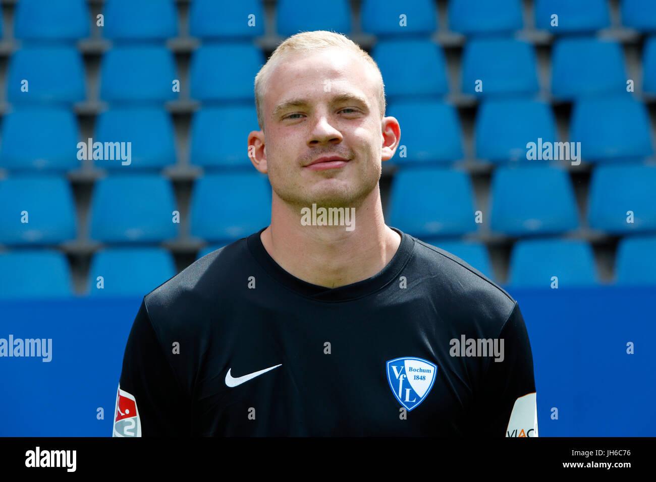 football, 2. Bundesliga, 2017/2018, VfL Bochum, team presentation for the game season, keeper Felix Dornebusch Stock Photo