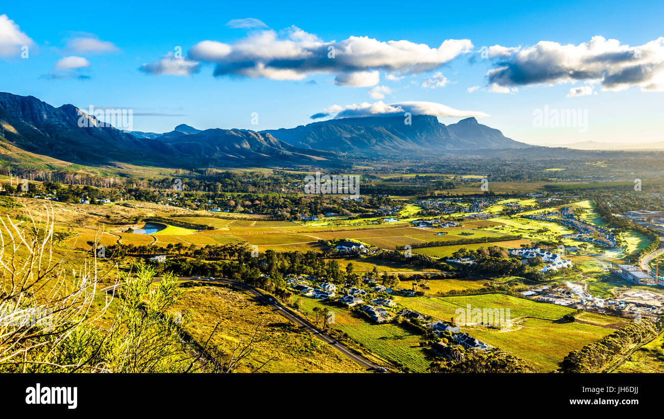 Early morning over the Western Cape with Cape Town and Table Mountain viewed from the Ou Kaapse Weg, Old Cape Road, - Stock Image