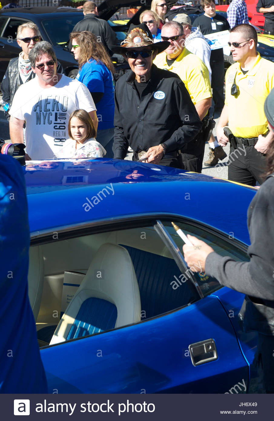 Richard Petty Richard Petty Flies Over To Ridgely Maryland And - Ridgely car show
