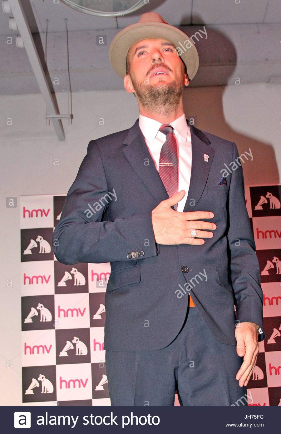 Matt goss mothers brought their daughters to meet matt matthew matt goss mothers brought their daughters to meet matt matthew weston matt goss born 29 september 1968 is an english singer songwriter and musician m4hsunfo