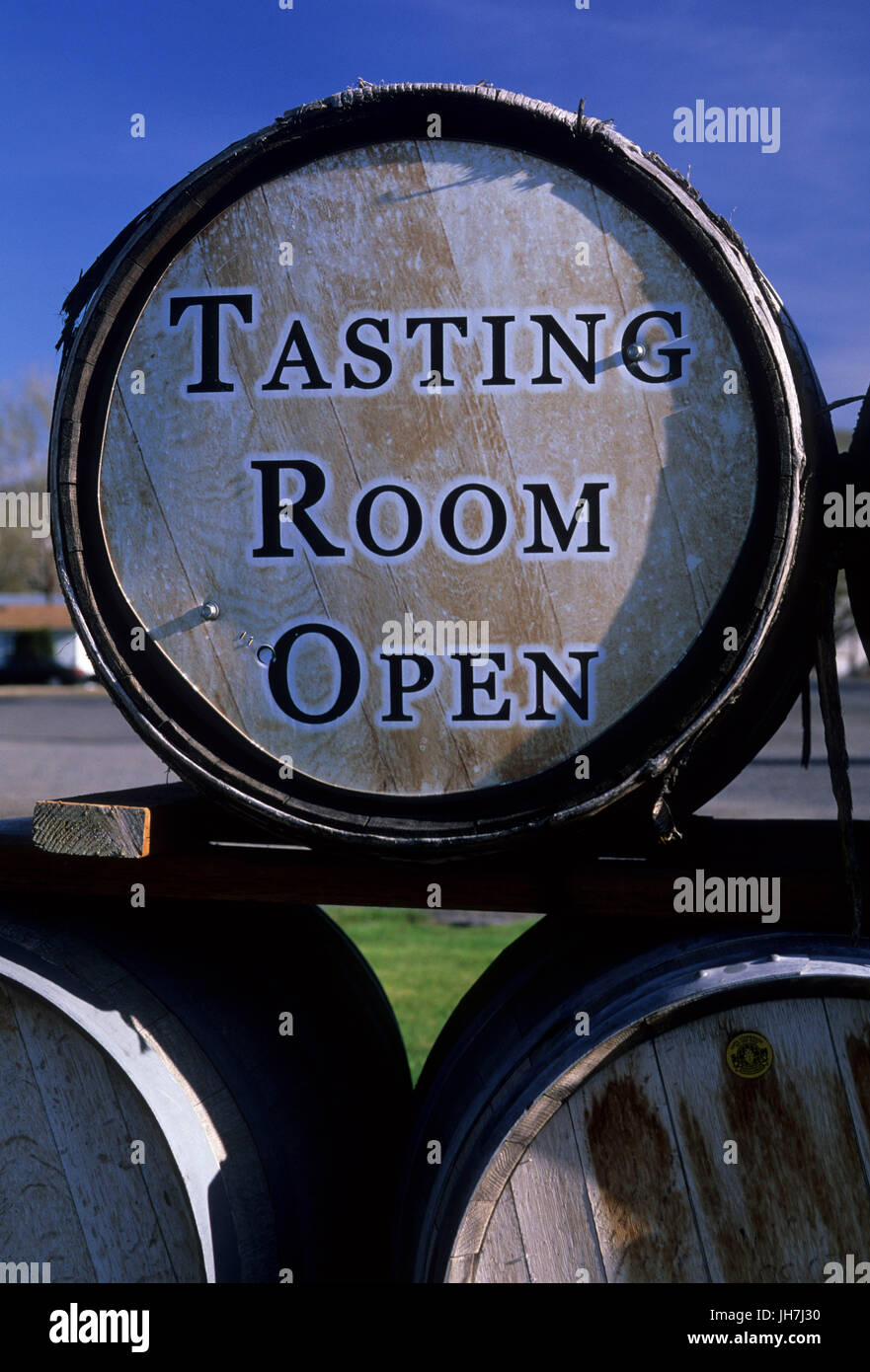 Piety Flats Winery barrels, Yakima County, Washington - Stock Image