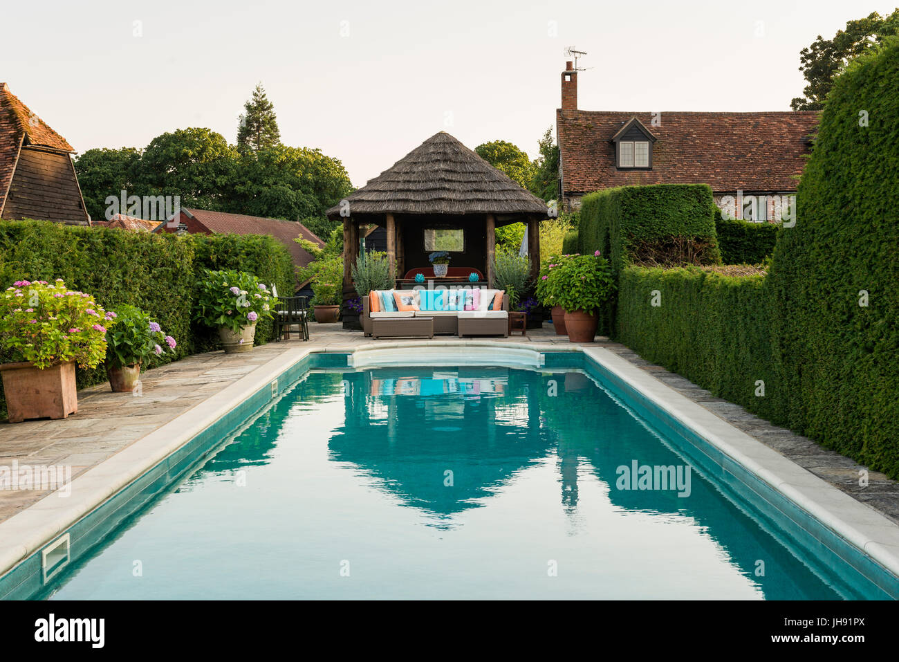 Gazebo by swimming pool Stock Photo: 148331090 - Alamy