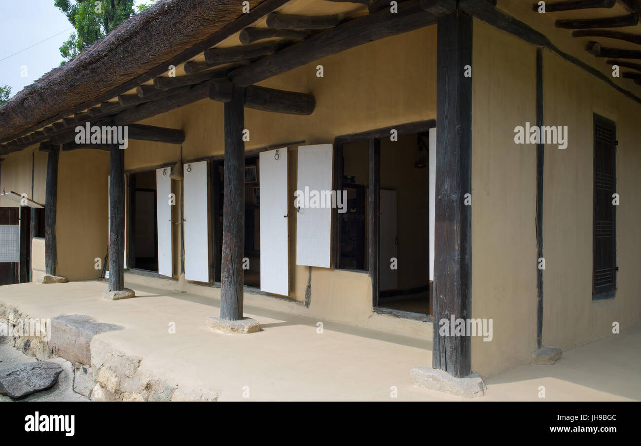 Traditional house on show at Mangyongdae, birthplace of Kim Il-sung. Pyongyang, DPRK / North Korea Stock Photo