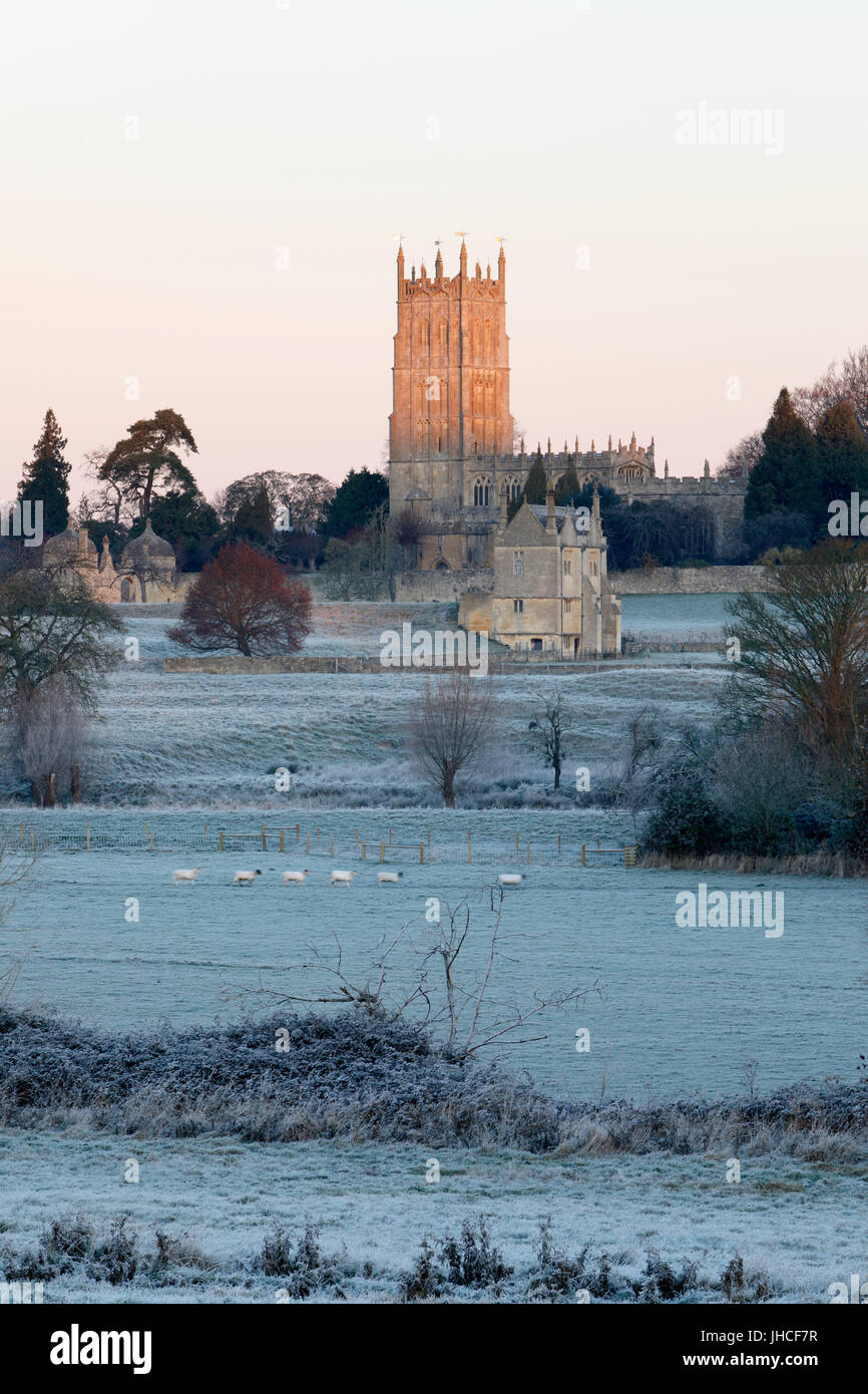 St James' Church and Campden House banqueting house in winter frost, Chipping Campden, Cotswolds, Gloucestershire, - Stock Image