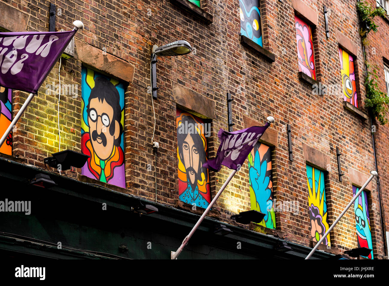 Beatles wall paintings in Liverpool - John and George - Stock Image