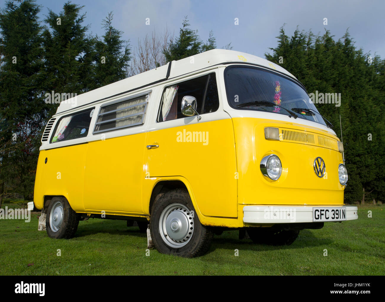 bd5ebd3ddc Yellow Vw Campervan Stock Photos   Yellow Vw Campervan Stock Images ...
