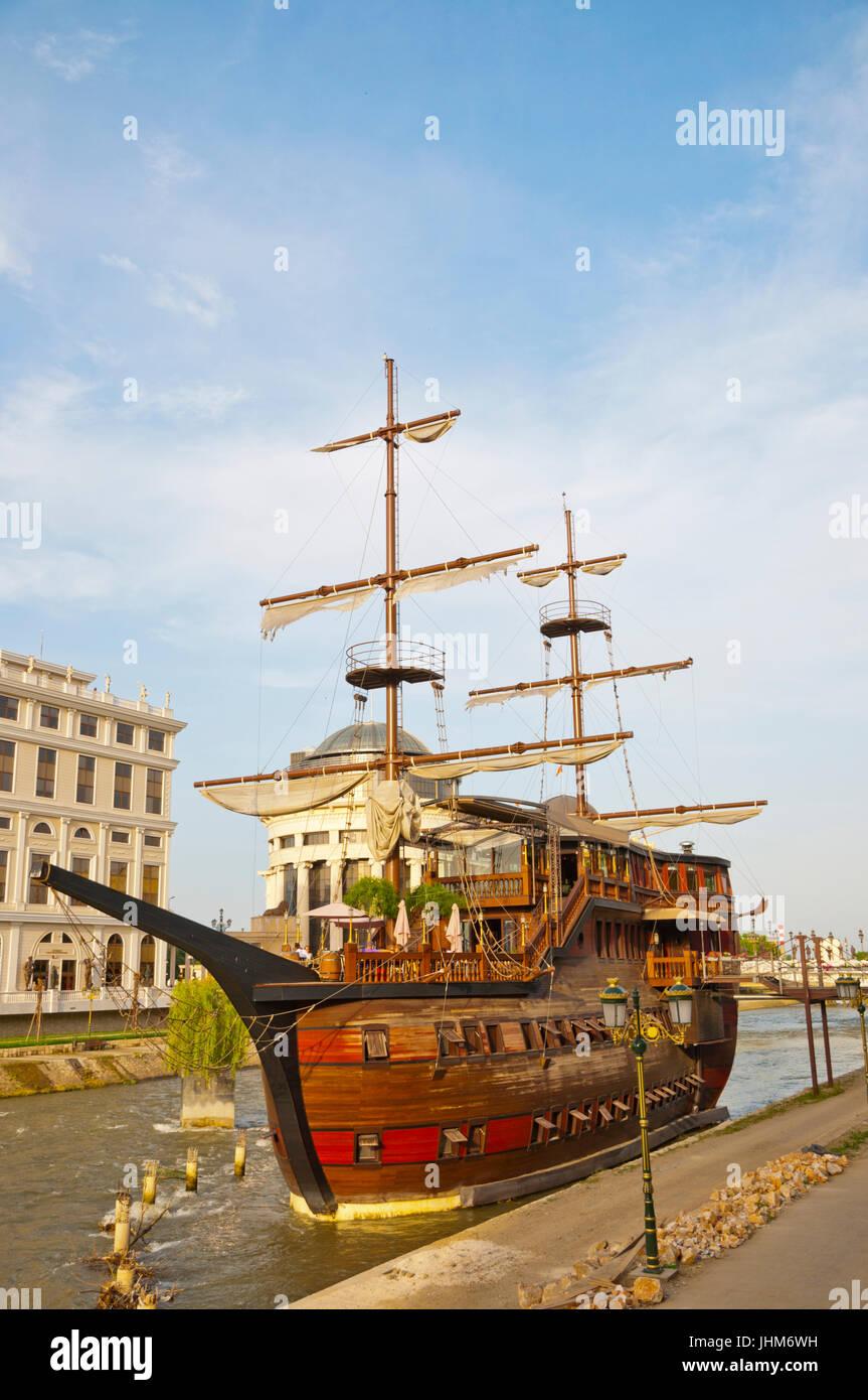 Galleon boat restaurant, Vardar river, Skopje, Macedonia - Stock Image