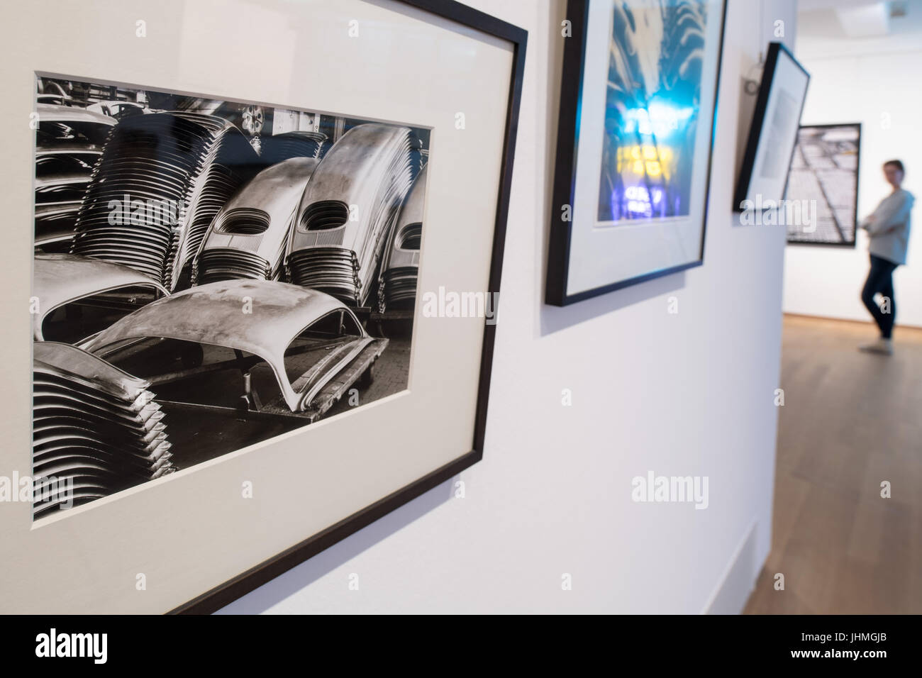 Fine arts industrial photographies from the 1950s show the production of the VW Beetle at the Kunsthalle (Arts - Stock Image