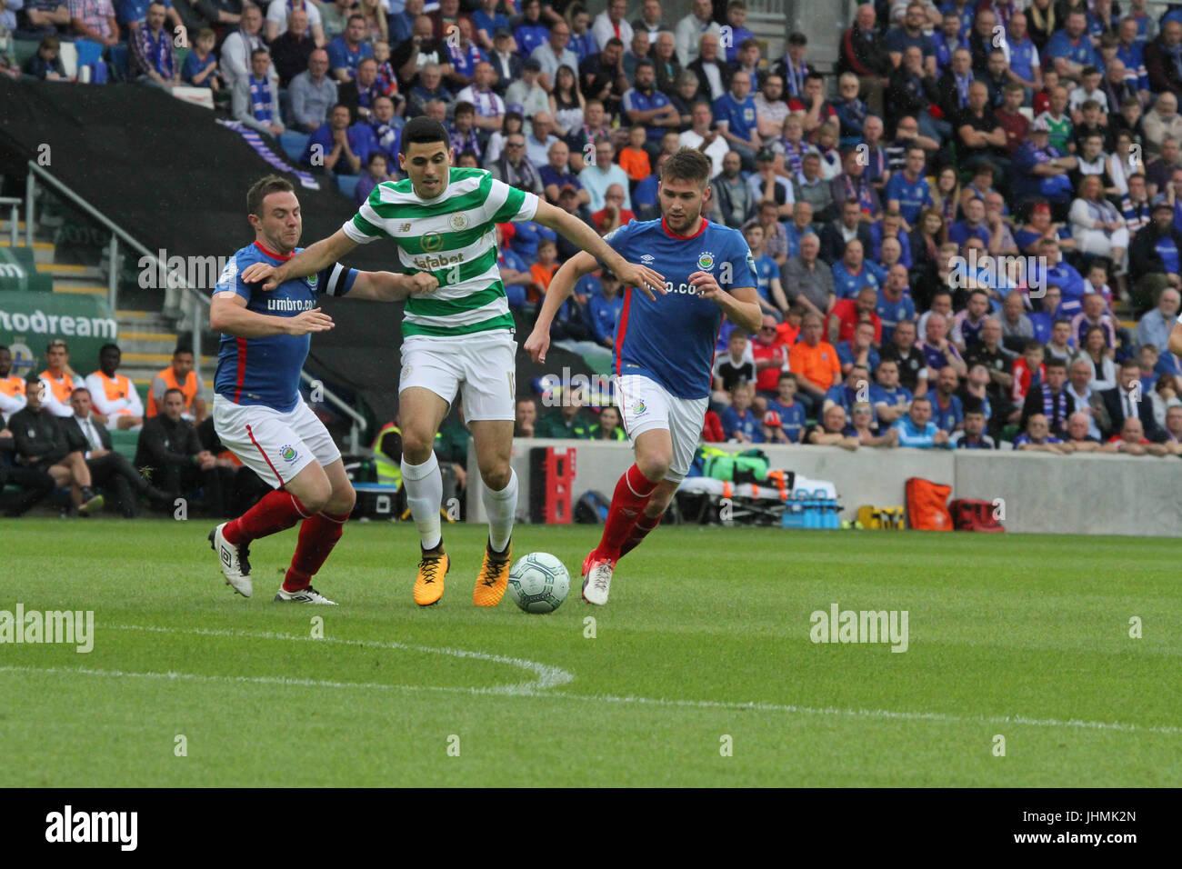 Windsor Park, Belfast, UK. 14 July 2017. Linfield v Celtic (UEFA CL QR2 1st Leg). Celtic's Tom Rogic in action - Stock Image