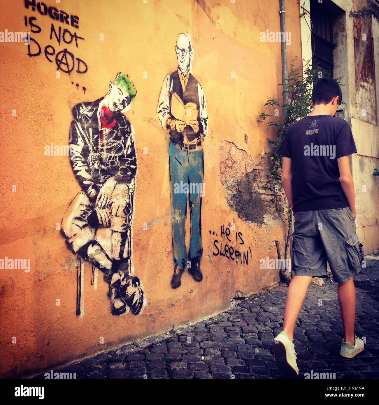 ' Hogre is not dead ' by Hogre, Via dei fienaroli , Trastevere, Rome, Italy    Credit © Anna Retico/Sintesi/Alamy - Stock Image