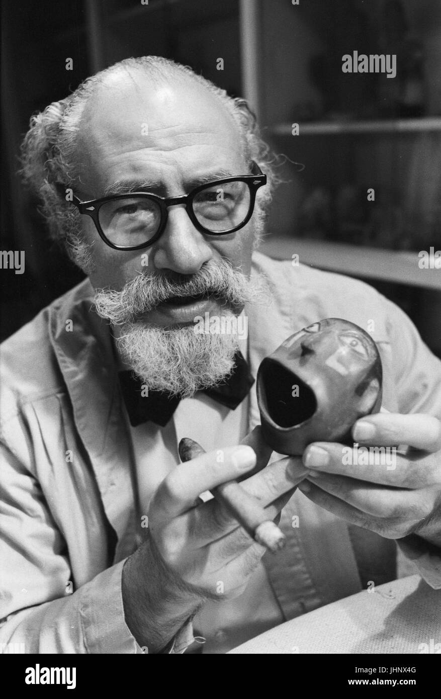 Abner Weisman, fertility specialist and collector of pre-Colombian sculpture, in 1966 - Stock Image