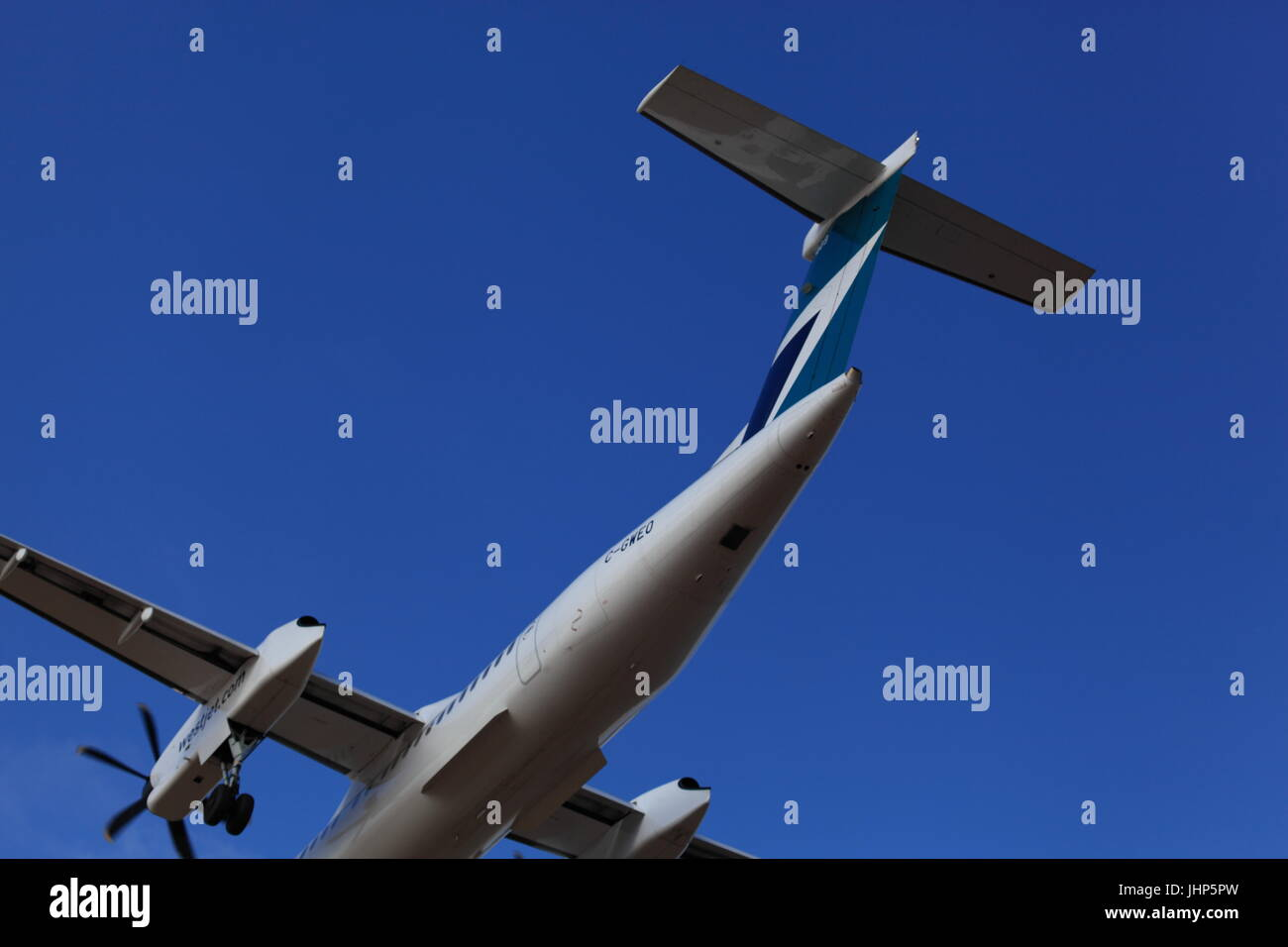 Dehavilland Canada DHC-8-402 C-GWEO WestJet on final approach at Ottawa International airport YOW, December 05,2015 Stock Photo