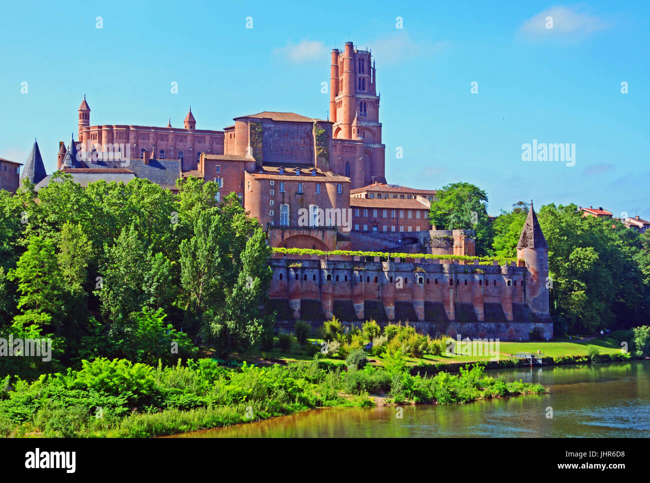 The Sainte Cecile Cathedral and Tarn river, Albi, Ocitanie, France - Stock Image