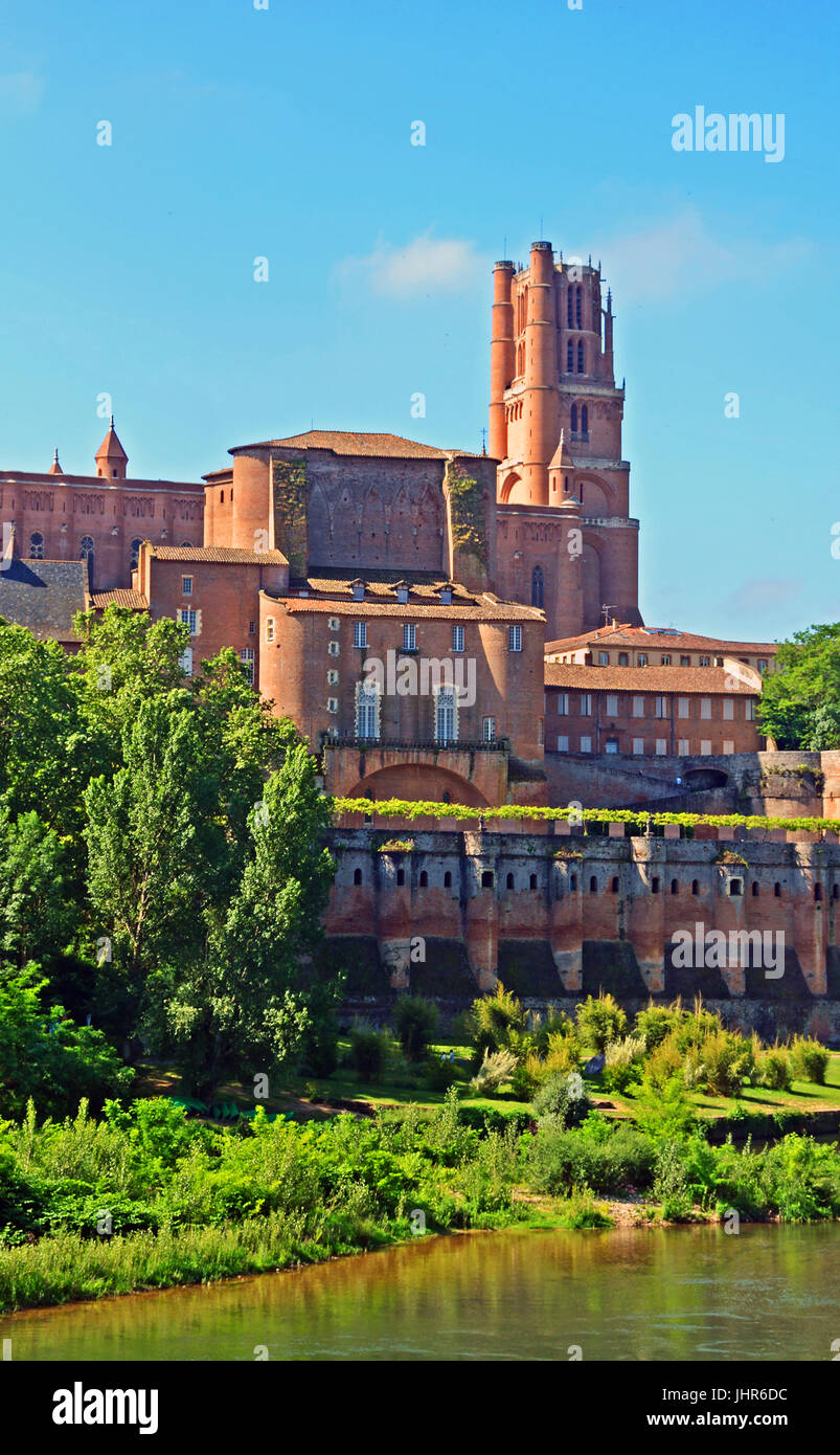 The Sainte Cecile Cathedral and Tarn river, Albi, Occitanie, France - Stock Image