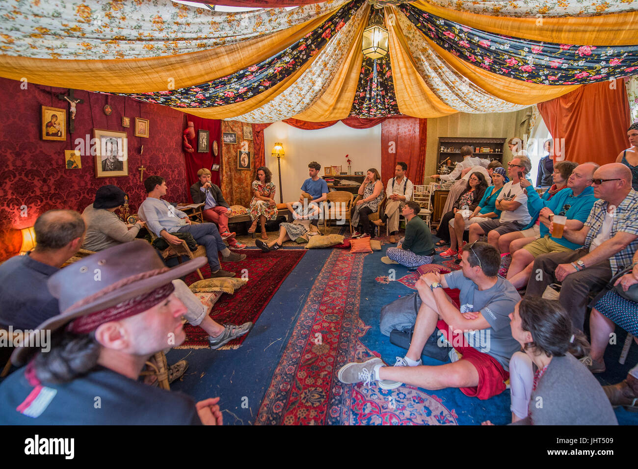 Discussion of Russia today by dissident Vladimir Ahurkov in the Dacha in teh Faraway Forest - The 2017 Latitude - Stock Image