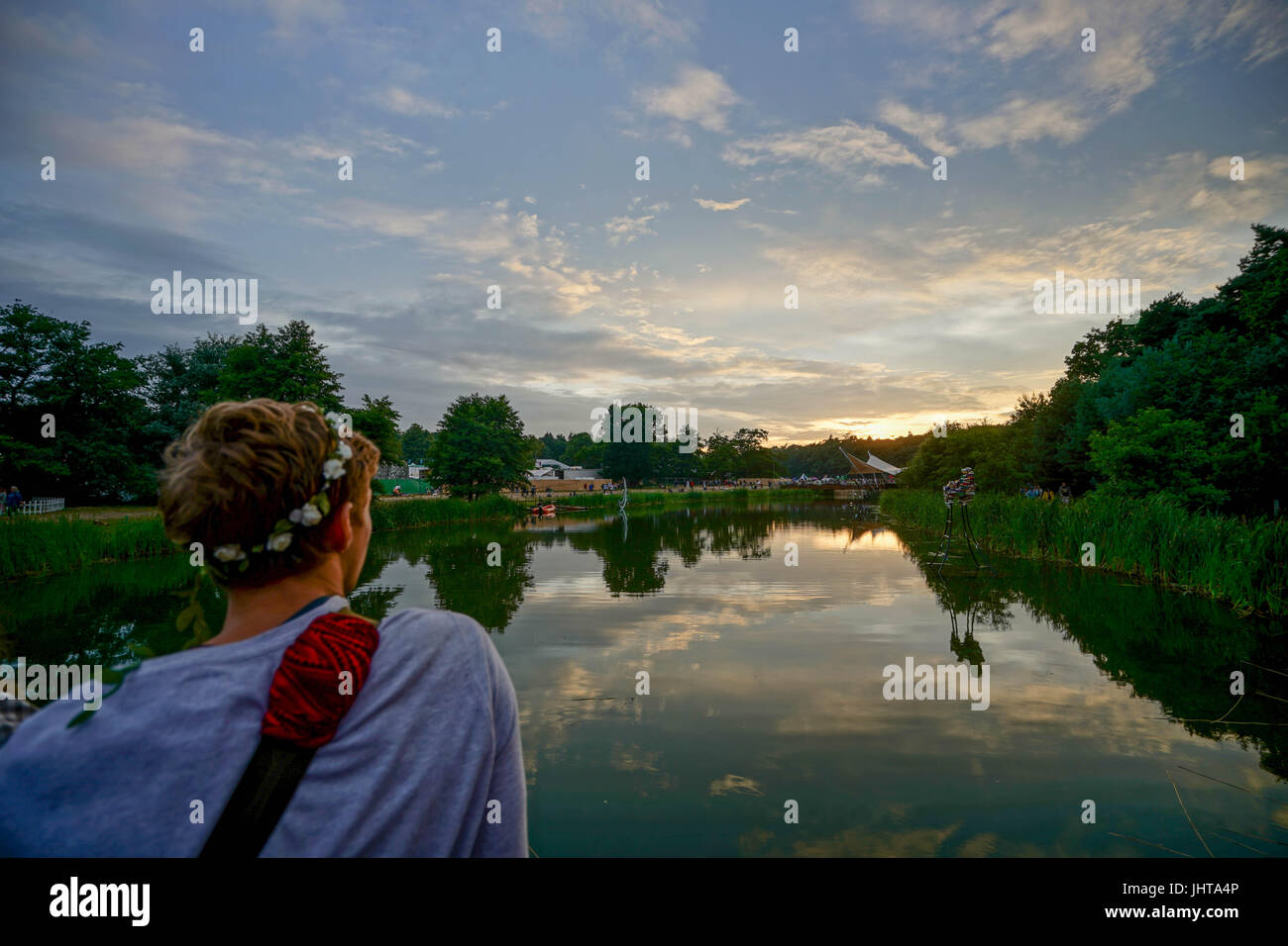 Latitude Festival, UK. 15th July, 2017. A view of the lake at sunset on Day 3 (Saturday) of the 2017 Latitude festival - Stock Image