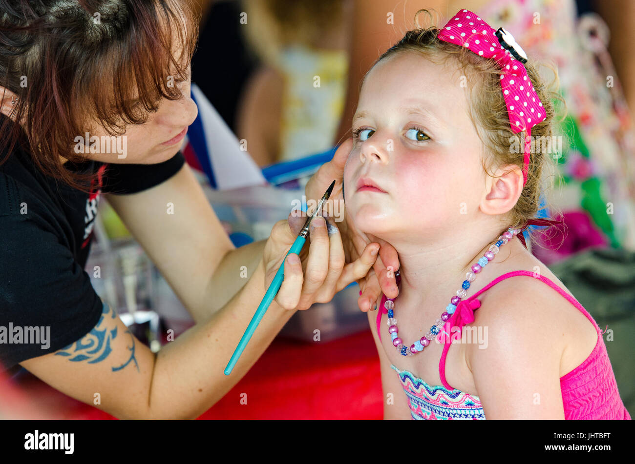 Philadelphia, USA. 15th July, 2017. A young girl has her face painted. Credit: Christopher Evens/Alamy Live News - Stock Image