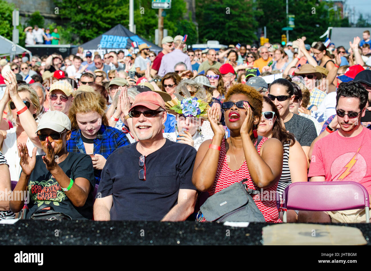Philadelphia, USA. 15th July, 2017. The crowd cheer on the Bearded Ladies' performance. Credit: Christopher - Stock Image